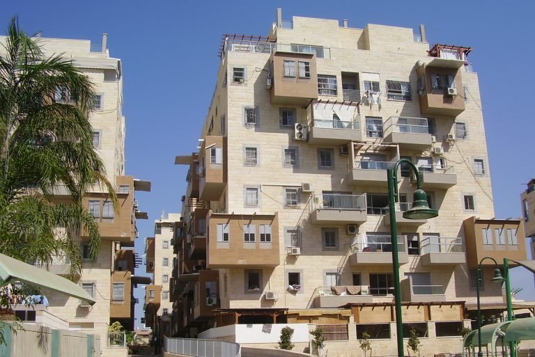 Sukkah balconies