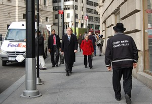 Chief Rabbi first photo-web
