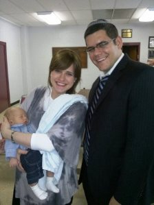 The Neuman famiy: Moshe, Shira, and Rabbi Ari
