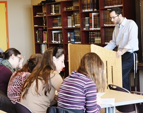 JLIC students participate in shiur on practical Halacha.  Photo credit: Shoshana Charnoff
